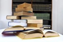 ID-10052692 (books)