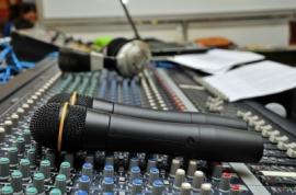 ID-10068993 (sound mixer)